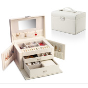 Avery XL Jewelry Box with 20 compartments - White